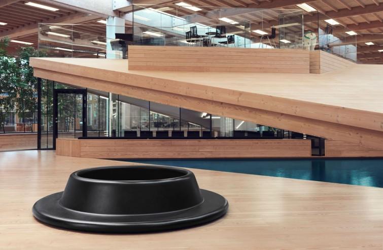MOOVE bench designed by Lars Vejen for Veksø