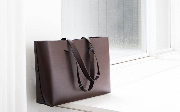 CUT bag by Lars Vejen for Leather By Hand 01